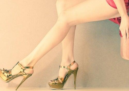 Quer ter pernas mais bonitas? Comece a evitar estas 6 coisas!