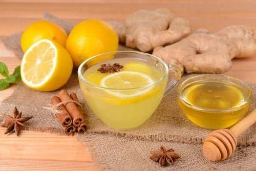 Remédio com limão, canela e gengibre