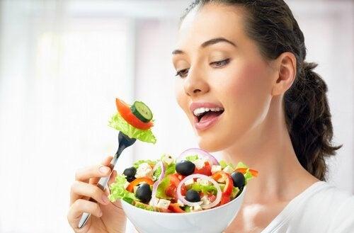 Mulher-e-salada