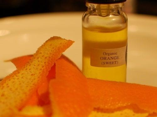 Oleo-de-laranja