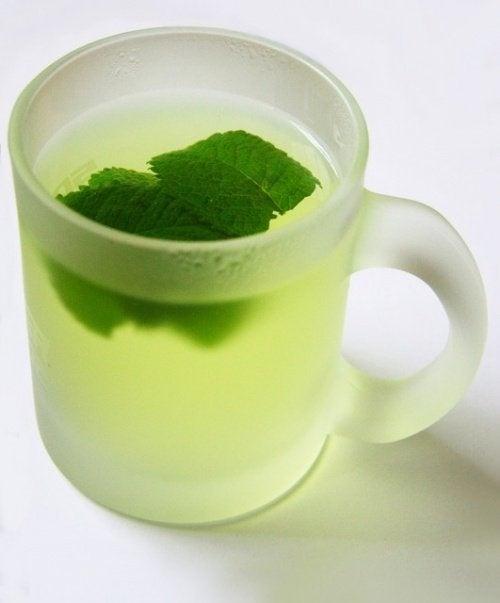 Chá de menta depois de comer