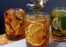 Café da manhã com laranja e mel