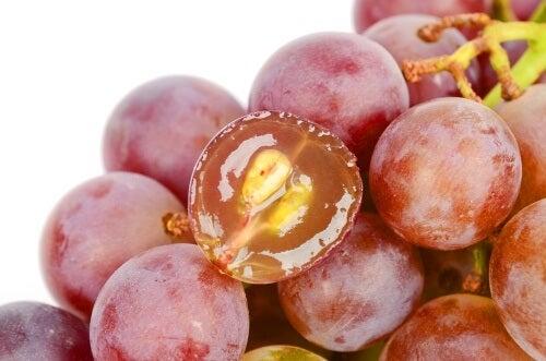 7 motivos pelos quais deveríamos comer sementes de uva