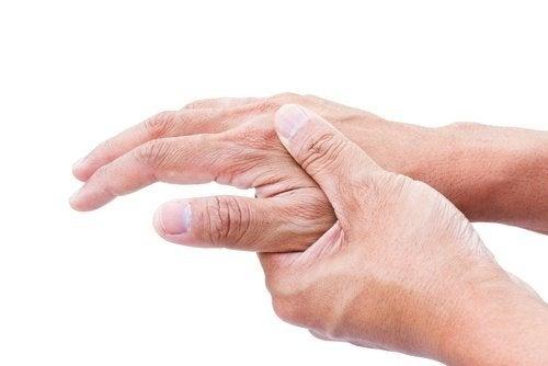 Os parasitas no corpo podem causar dor nas articulações
