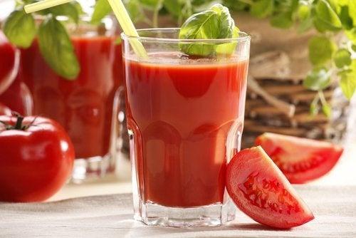 Suco de tomate para combater o estresse
