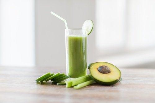 Suco-verde-de-abacate