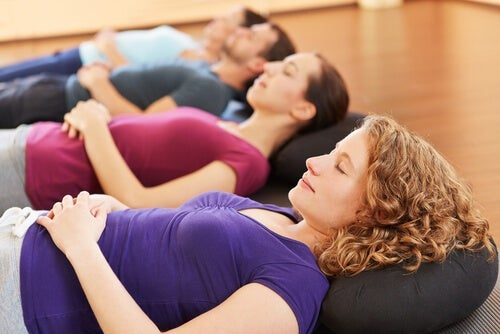 6-exercicios-de-relaxamento-recomendados-para-dormir-tranquilamente2