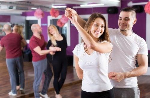 Casal-dancando-kizomba