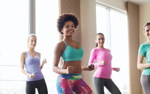Tipos de dança que modelam as pernas, os glúteos e a cintura