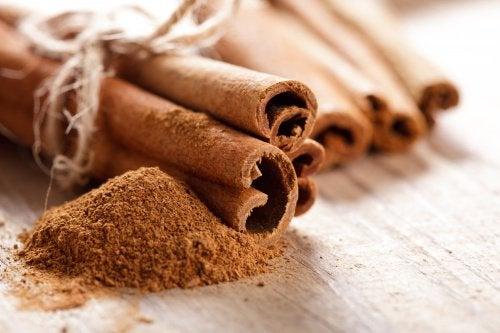 Canela para fazer um chá anti-inflamatório