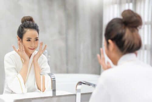 Como disfarçar o cansaço do rosto rapidamente?