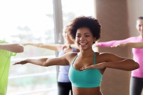 Mulher-fazendo-exercícios