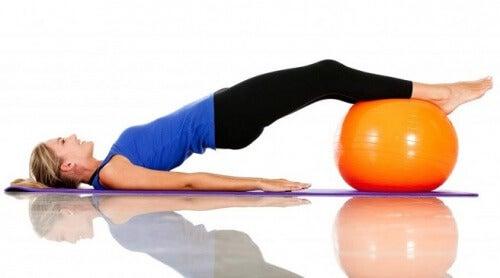 exercicio-para-reduzir-cintura-e-quadril-500x278