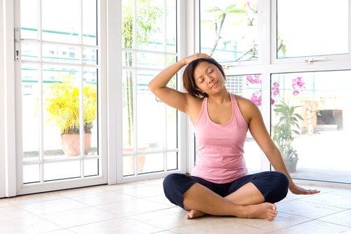 Meditação anti-estresse com alongamento