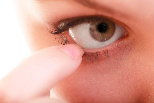 Remédios naturais para coceira nos olhos