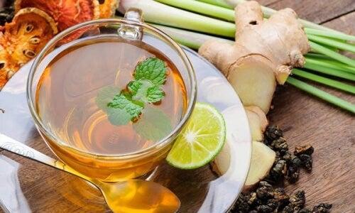 Como fazer um maravilhoso chA? anti-inflamatA?rio para comeA�ar o dia