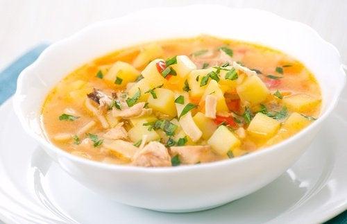 Como preparar sopas mais saudáveis