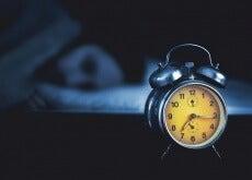 despertador-homem-deitado-500x334