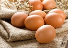 O que acontece quando comemos ovo