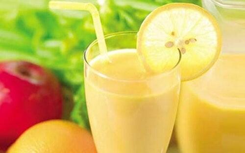 Batida de maçã, limão e toranja para perder peso