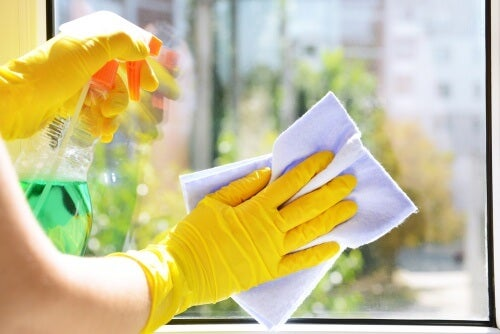 Limão para limpar vidros