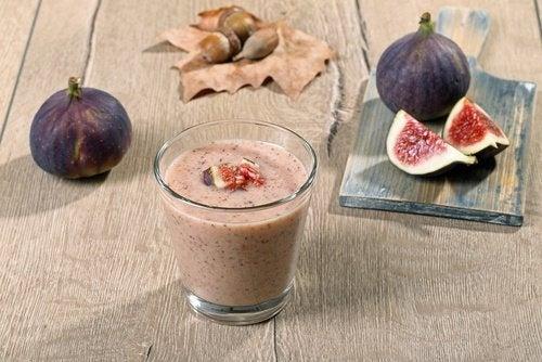 Figos-e-leite-de-amendoas