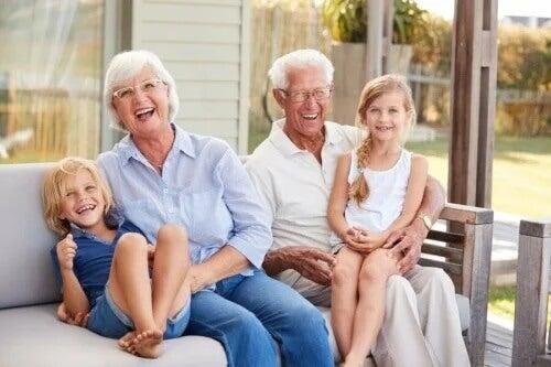 Os netos são a luz e as alegrias de seus avós