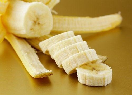 A banana com sua casca