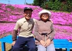 Marido planta flores para que esposa cega sinta seu aroma