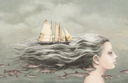 Menina com barco no cabelo deixano o passado para trás
