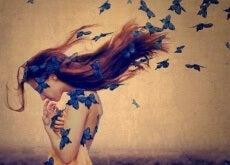 Não preencho vazios nem alivio solidões: eu amo