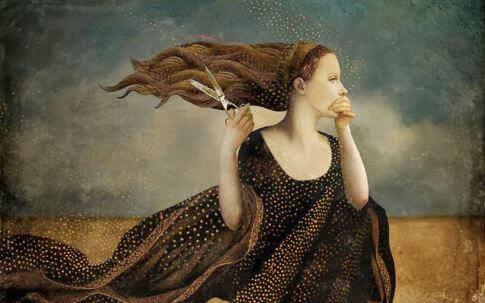 Mulher com tesoura que não valora seu cabelo