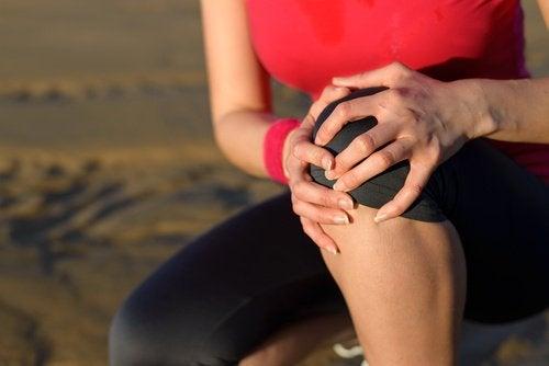O pepino faz bem para dores no joelho