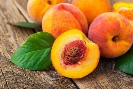 Será que o pêssego tem propriedades anticancerígenas?
