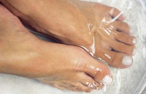 Pés na água fria: para que serve esta técnica?