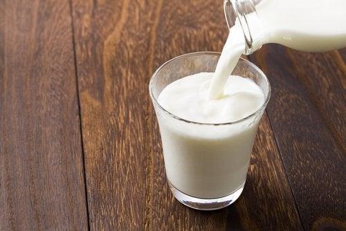 Remedio-de-leite-gelado-para-olhos-cansados
