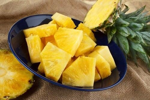 Abacaxi para tratar a dor e a inflamação