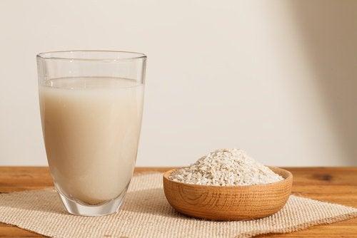 Estes são os benefícios de beber um copo de água de arroz. Você ficará surpreso!