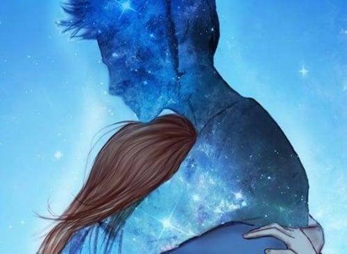Abraço de um casal