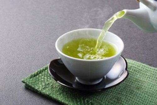 O chá verde, o mais popular dos chás extraordinários para perder peso