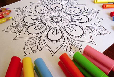 Descubra por que seus filhos deveriam colorir mandalas