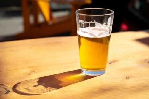 12 razões que explicam por que a cerveja não é boa para a saúde