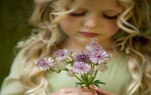 Para educar bem as crianças, o melhor é fazê-las felizes