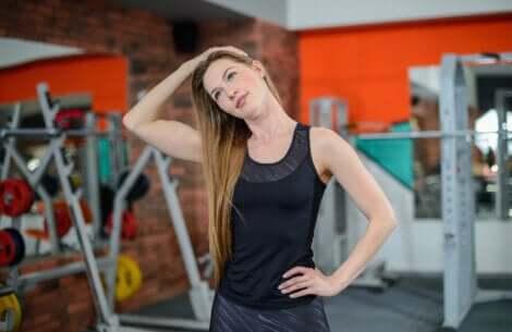 Relaxar o pescoço ajuda a controlar as dores relacionadas ao estresse