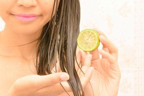 Limão pode ser utilizado como clareador para o cabelo
