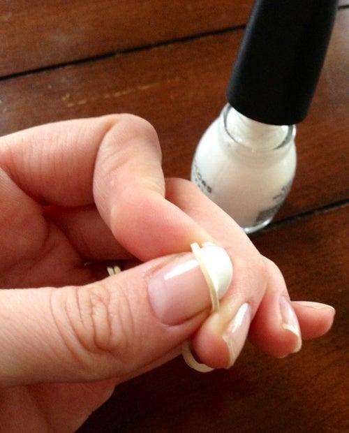 Manicure nas unhas
