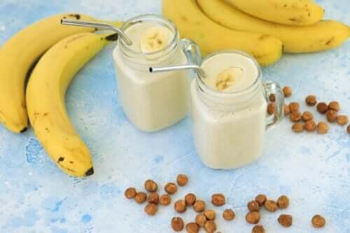 Deliciosa vitamina de banana que ajuda a perder gordura abdominal