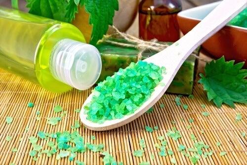 Xampu caseiro para estimular o crescimento do cabelo e aumentar o  volume
