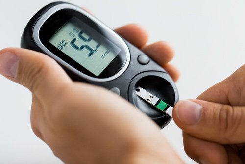 A medição de açúcar no sangue pode ser menor com o cabelo de milho