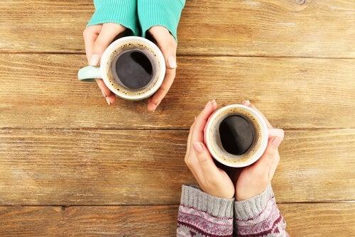 cafe-sorrisos-e-bons-amigos-ha-algo-melhor
